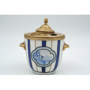 Inkwell in Gilded Brass and Porcelain