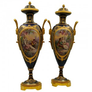 Important Pair of Vases in Sèvres Porcelain