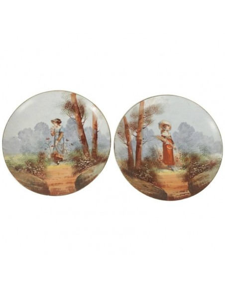Paire of French Porcelain Hand Painted Plates from the 19th Century
