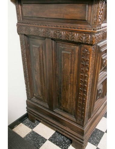 17th century furniture important, carved walnut