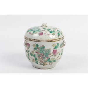 Covered Pot China, End of the XIXth Century